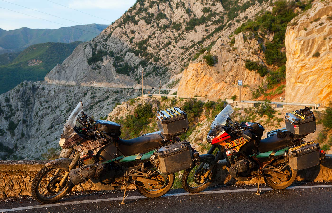 Old Wild East - Givi Explorer
